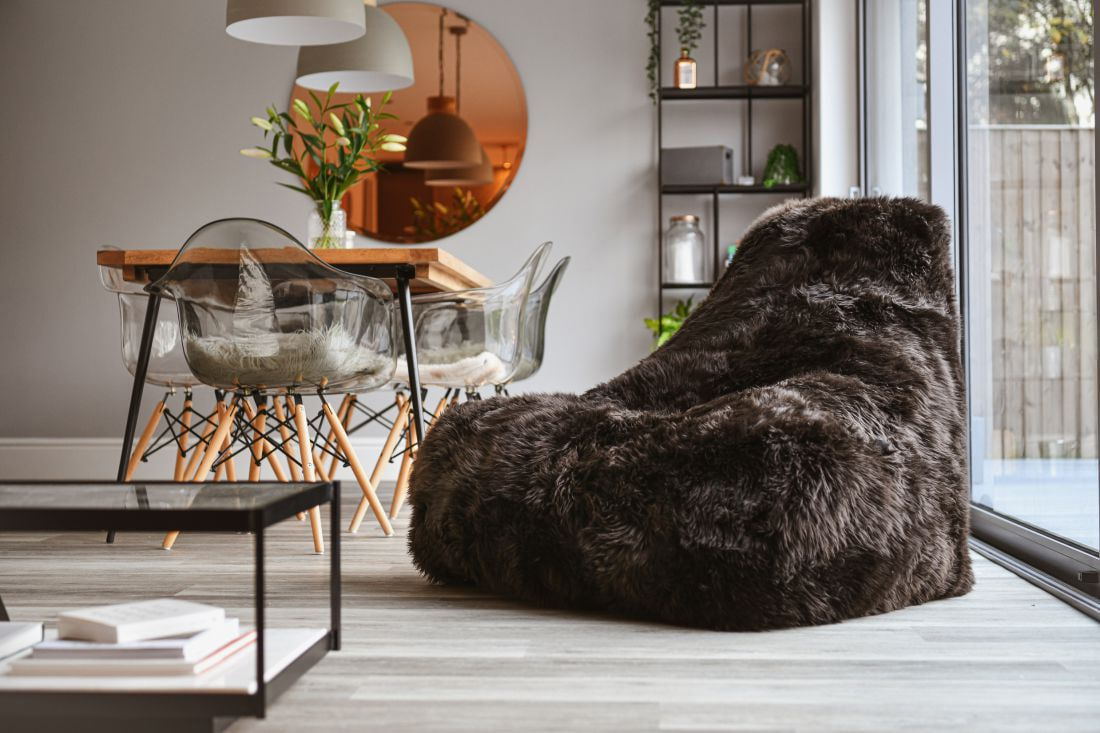 extreme lounging bbag mightyb indoor zitzak sheepskin bruin